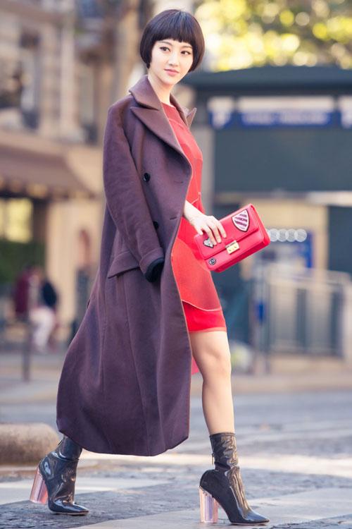 景甜优雅现身巴黎街头